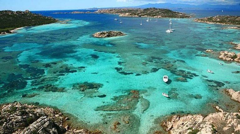 Cartina spiagge la maddalena e caprera for Isola che da il nome a un golfo della sardegna