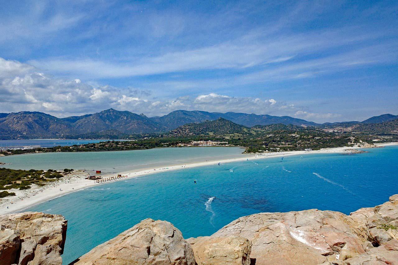 Spiagge Villasimius, costo parcheggi estate 20   Sardegna in ...